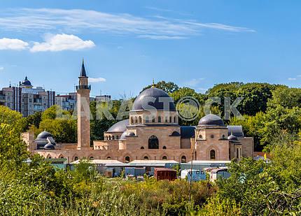 Ар-Рахма — первая мечеть Киева. Является частью Исламского комплекса, который кроме мечети Ар-Рахма включает корпус ДУМУ, Медресе и минарет. Расположена на Татарке на склоне Щекавицы и рассчитана на 3 000 человек при площади 3200 м². Мечеть также име
