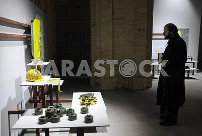 Инсталляция из вещей из фондов Национального музея Революции Достоинства