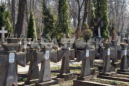 Могили воїнів УНР на Вольскому кладовищі м.Варшава Польша