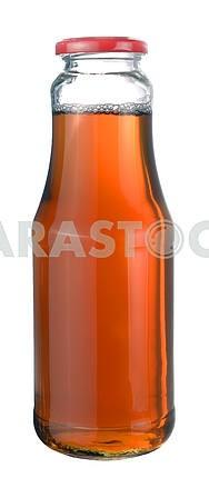 Яблочный сок в стеклянной бутылке