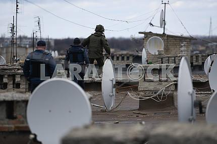 Спасатели на крыше дома в Балаклее
