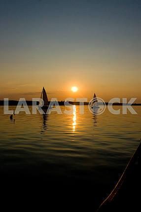 Яхты вечер , закат солнца