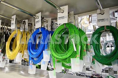 Разноцветные кабеля
