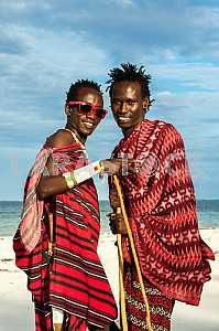 Двое мужчин племени Масаи