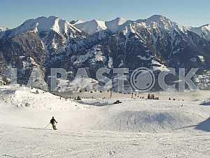 Лыжные дороги и снежные вершины Альп