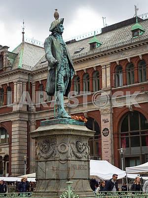 Памятник Людвигу Хольбергу в Бергене