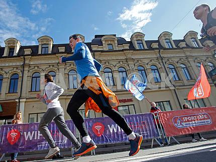 Спортсмены на дистанции полумарафона