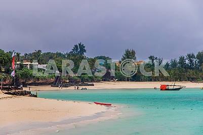 Пляж на берегу Индийского океана