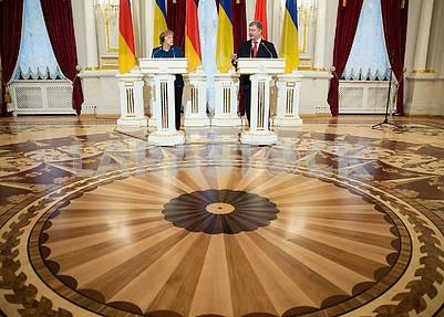 Зал Мариинского дворца - Ангела Меркель, Петр Порошенко