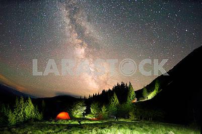 Звездное небо над землей сценическое