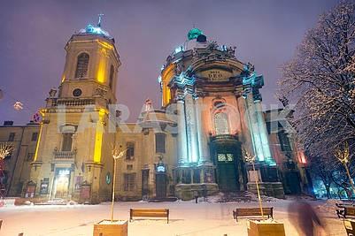 Львов зимой в храме