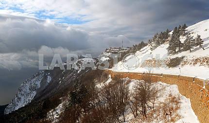 Зимняя дорога на Ай-Петри