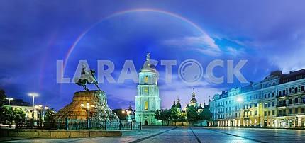 Радуга над монастыря Sophievsky