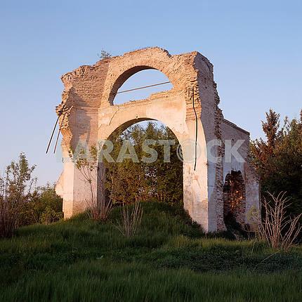 Руины церкви Святого Архангела Михаила