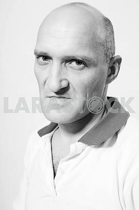Портрет человека негодования . лысый