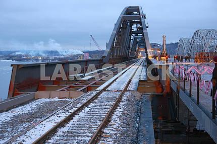 Железнодорожный путь на мосту
