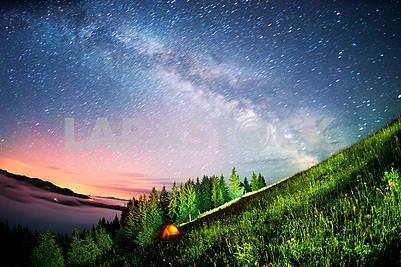 Палатка над деревней Верховина