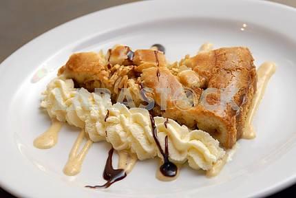 Яблочный пирог с кремом