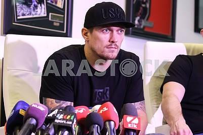 Встреча Чемпиона мира по версии WBO в тяжелом весе Александра Усика с представителями СМИ.