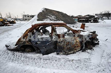 Взорваный автомобиль в Авдеевке