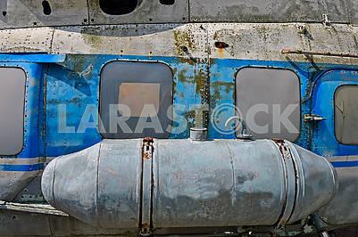 Старий радянський вертоліт Мі-2
