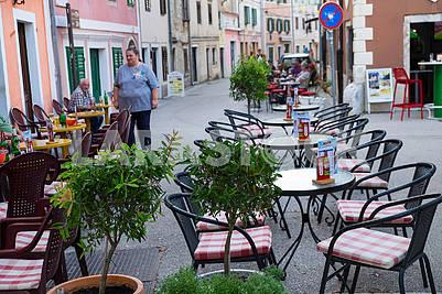 Уличное кафе в Скрадине