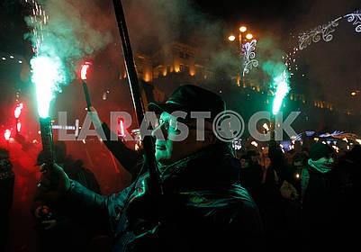 Люди с факелами