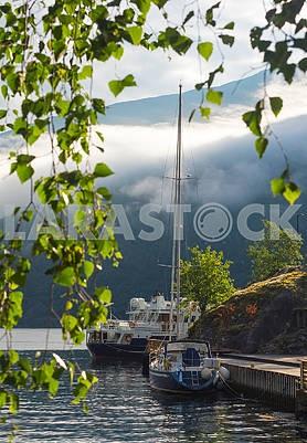 Корабли и яхты в Хардангерфьорде