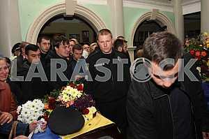 Прощание с погибшими полицейскими Артемом Кутушевым и Ольгой Макаренко