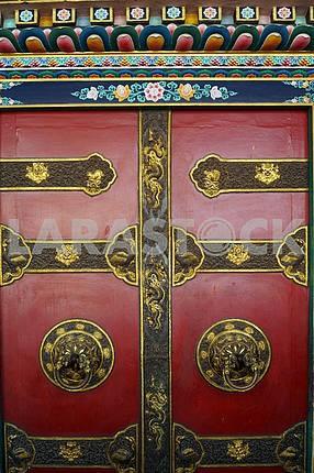 Двери храма Бодна́тх