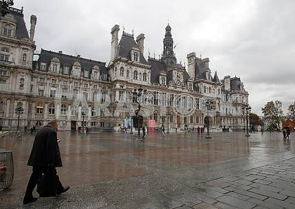 Площадь Отель де Виль в Париже