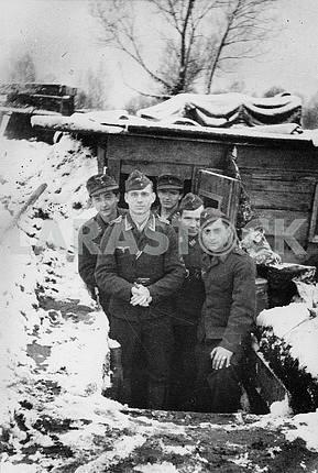 Немецкие солдаты холодной зимой.