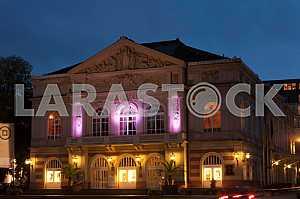 Баден-Баденский театр ночью