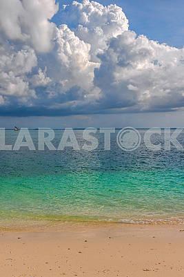 Песчаный берег на Занзибаре