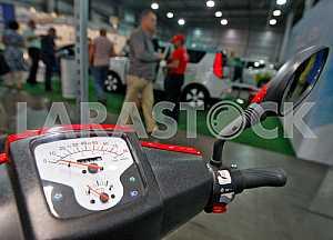 Выставка электрокаров в Киеве