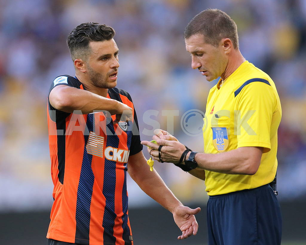 Junior Moraes, Mozharovsky Yuri, referee — Image 73100