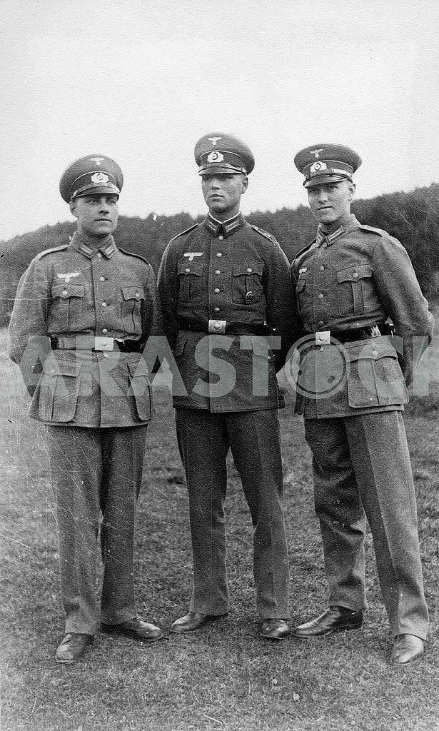 German officers — Image 22940