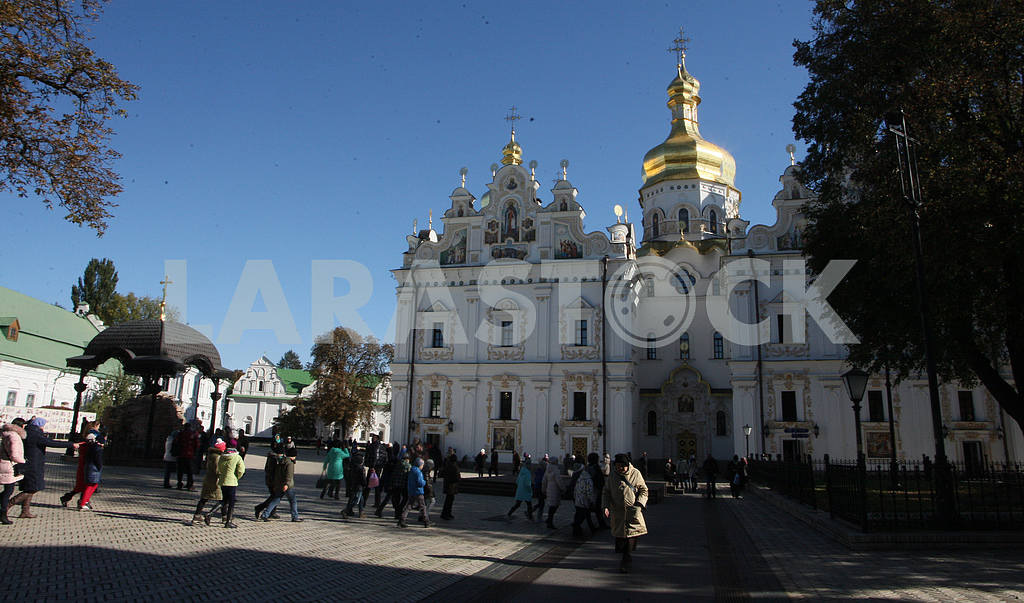 Kiev-Pechersk Lavra . Feast of the Intercession of the Holy Virgin — Image 39760