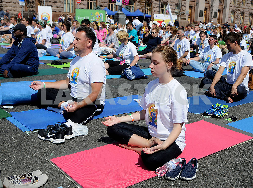 "Yoga session ""Marathon without fuss"" in Kiev — Image 56960"