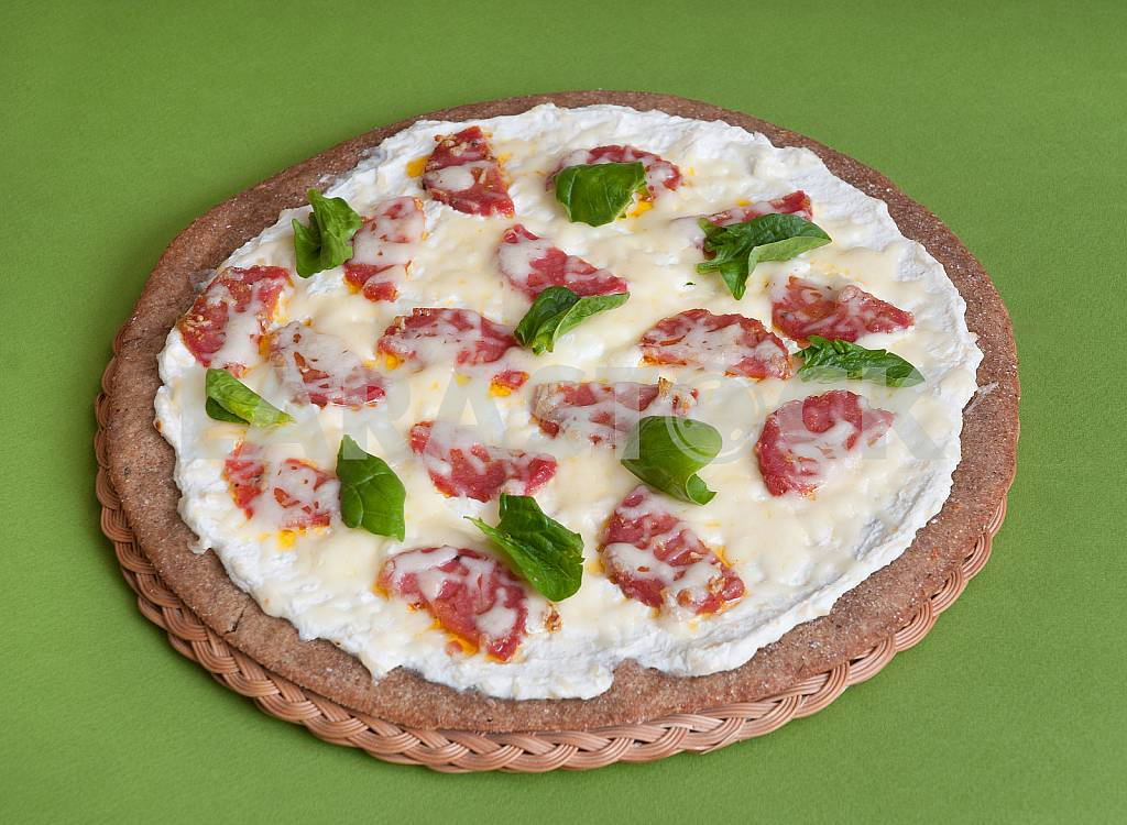 PIZZA DIETARY WITH SALAME — Image 28670