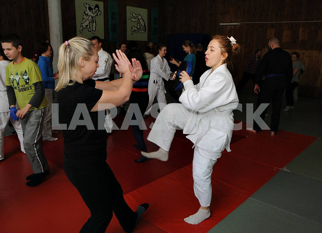 "Practical seminar ""Female self-defense"" — Image 69911"