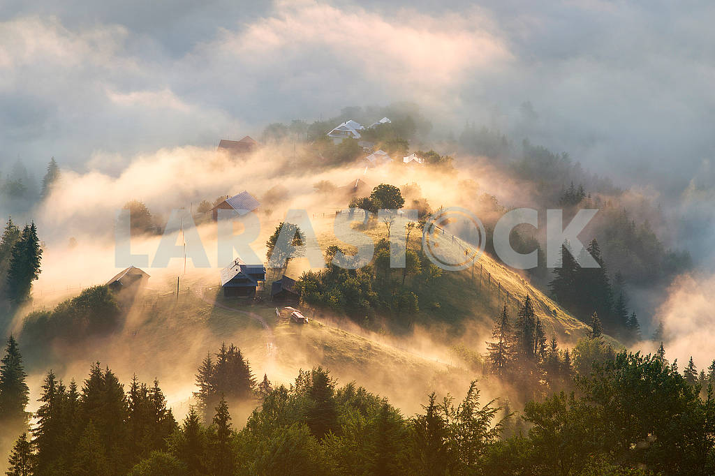 Dawn over the village of Verkhovyna — Image 62761