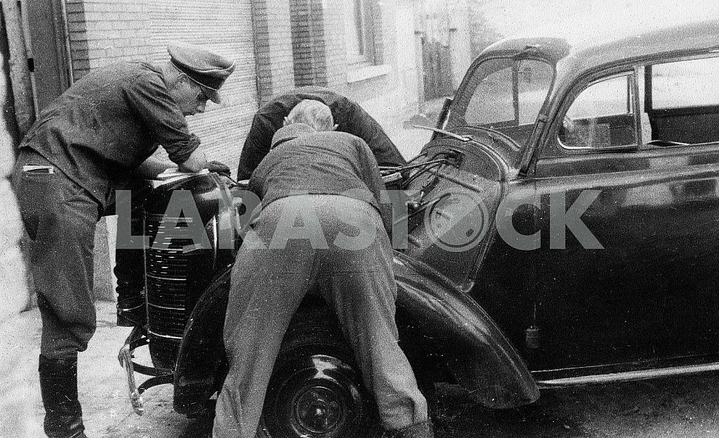 Car repair Opel Cadett K-38. The Second World War — Image 22412
