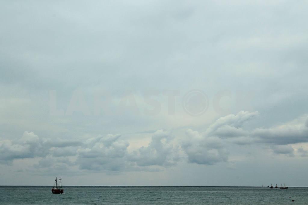 Ships in the Black Sea — Image 21462