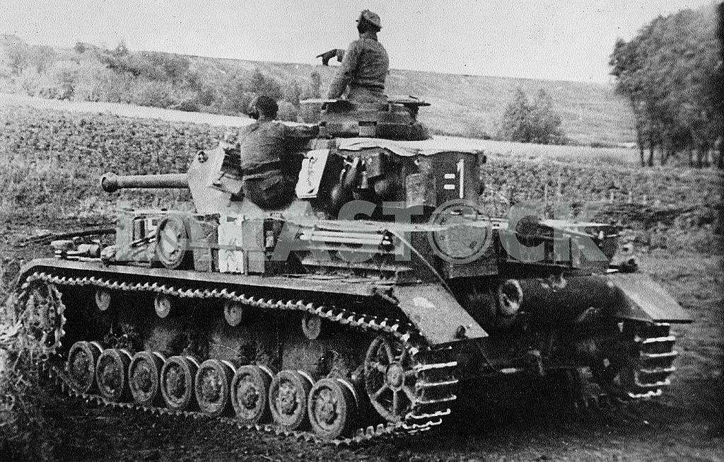 German middle tank T-IV (G) — Image 22903