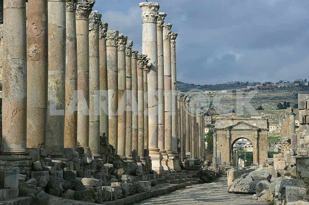 Stone ruins of the ancient city of Jarash — Image 49863