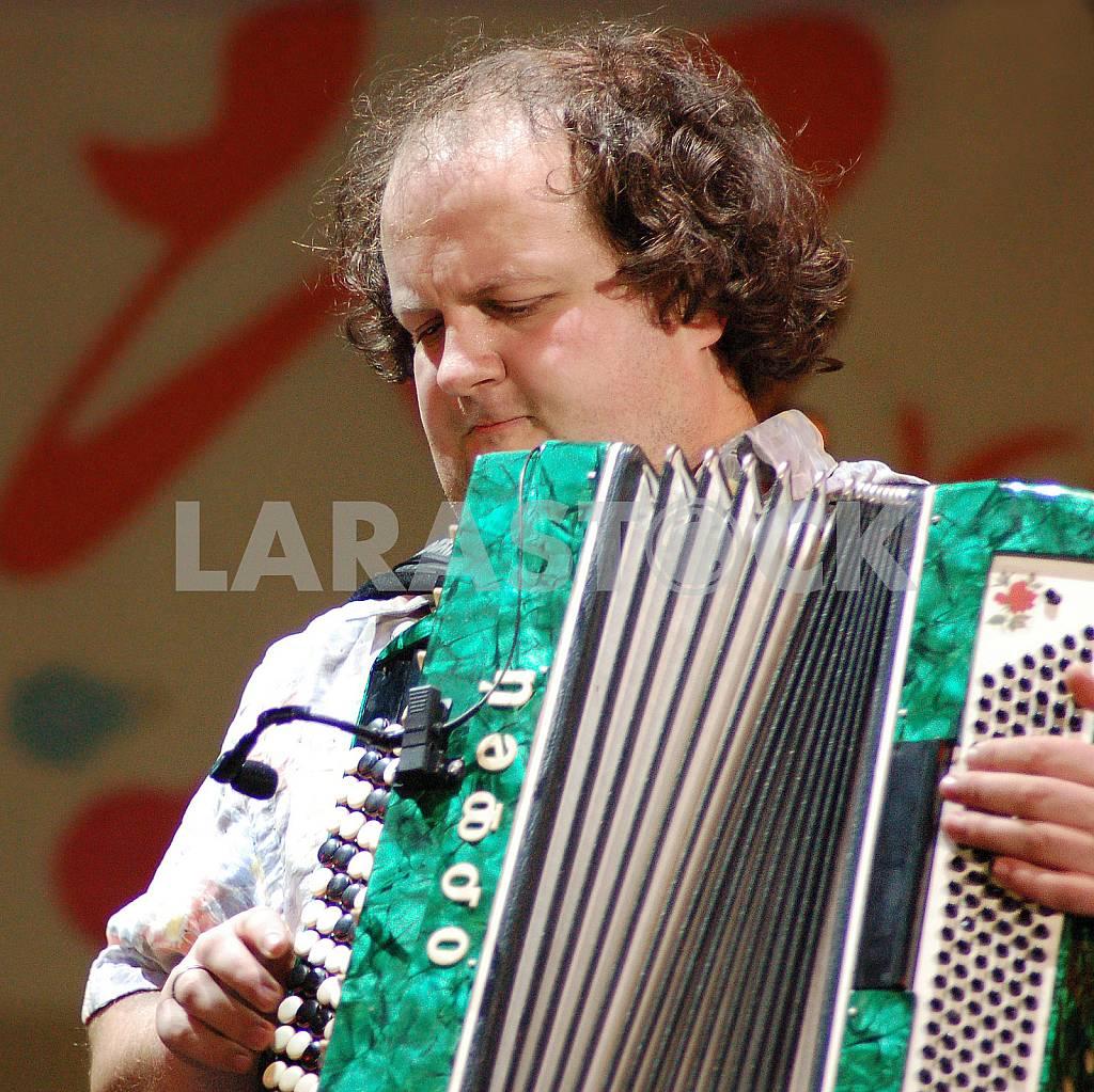 SINGER AND MUSICIAN VIKTOR BRONJUK — Image 27304