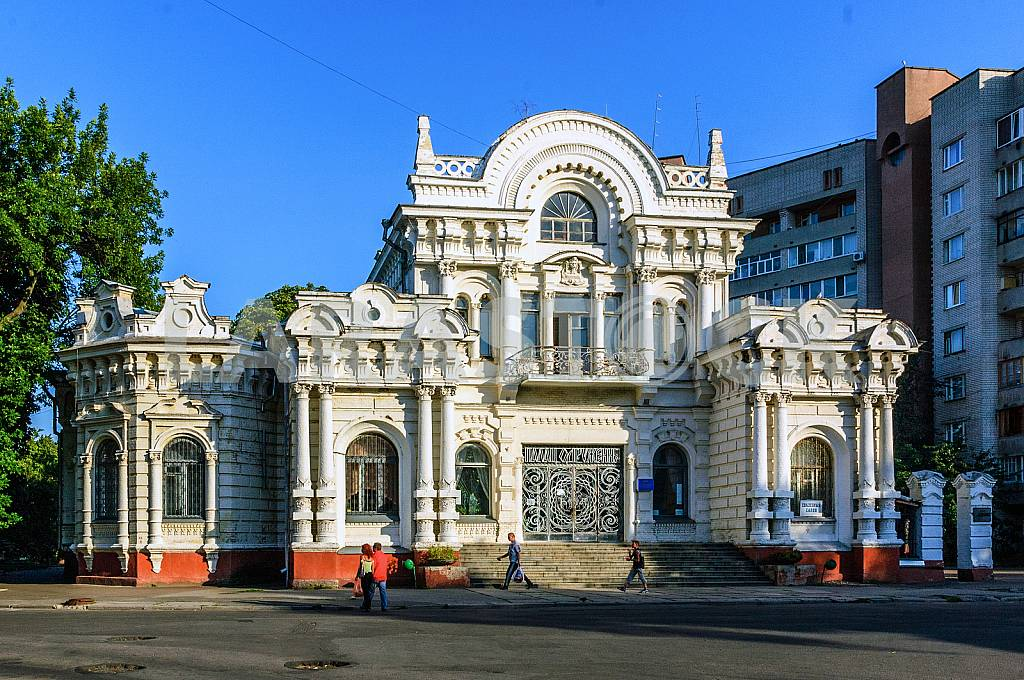 The most luxurious mansion prerevolutionary Cherkassy, — Image 23324