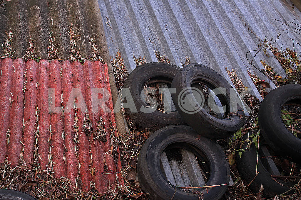 Old car tires — Image 68234