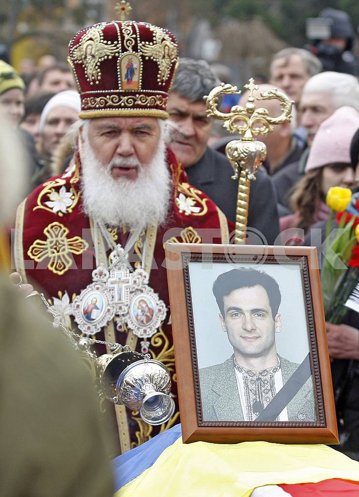 Funeral of Georgiy Gongadze in Kyiv. — Image 28074